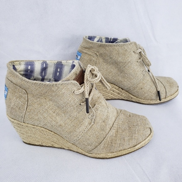 toms lace up wedge booties